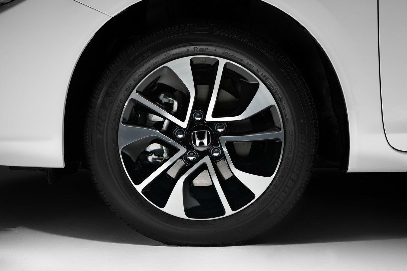 Шиномонтаж, ремонт колес, балансировка в хонда сервисе