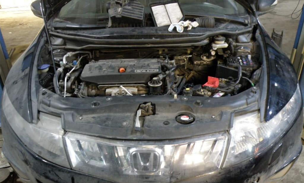 Промывка дроссельной заслонки на Хонда Цивик