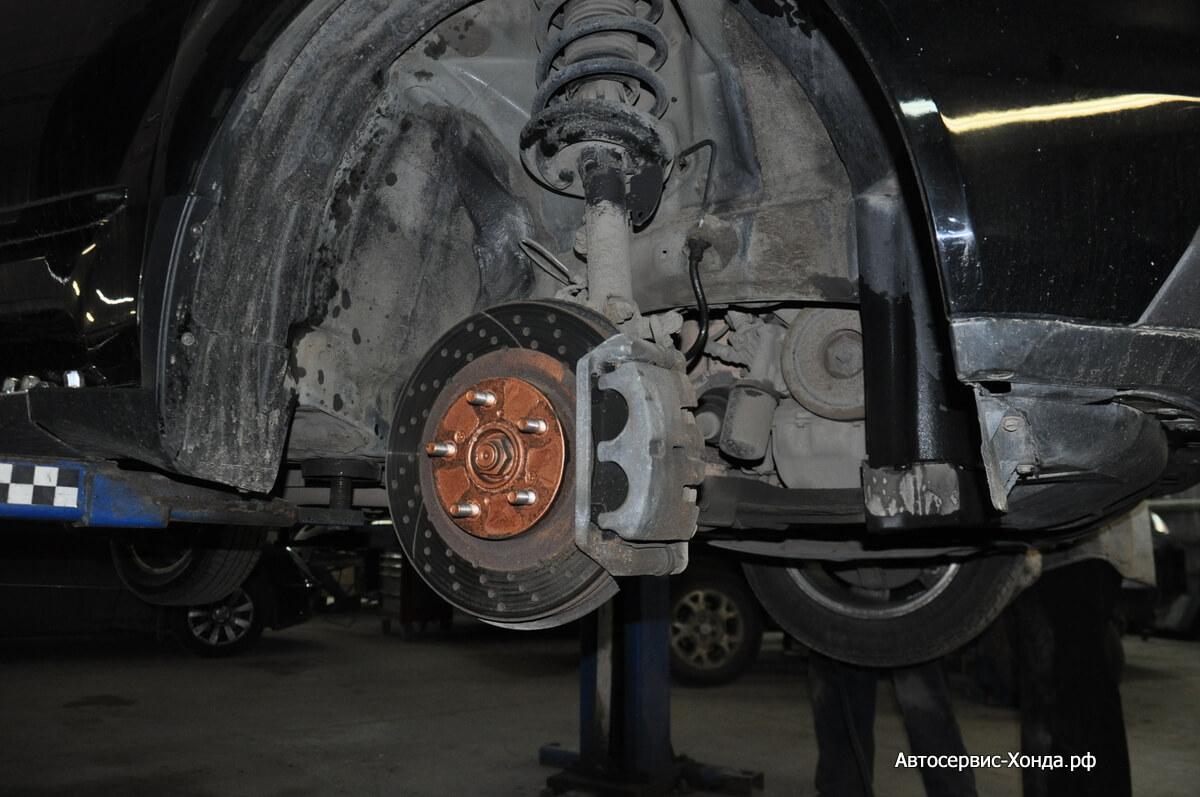 Замена тормозного шланга Акура
