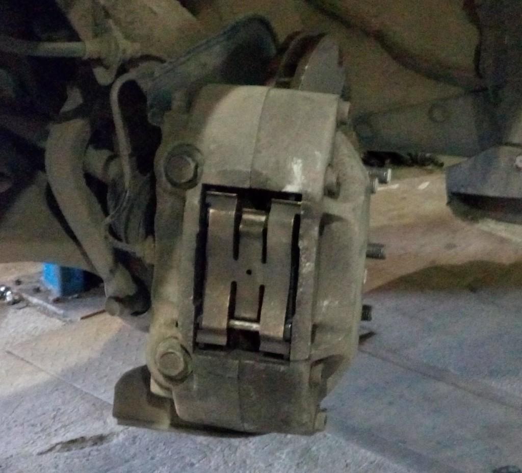 Замена тормозных колодок на Хонда