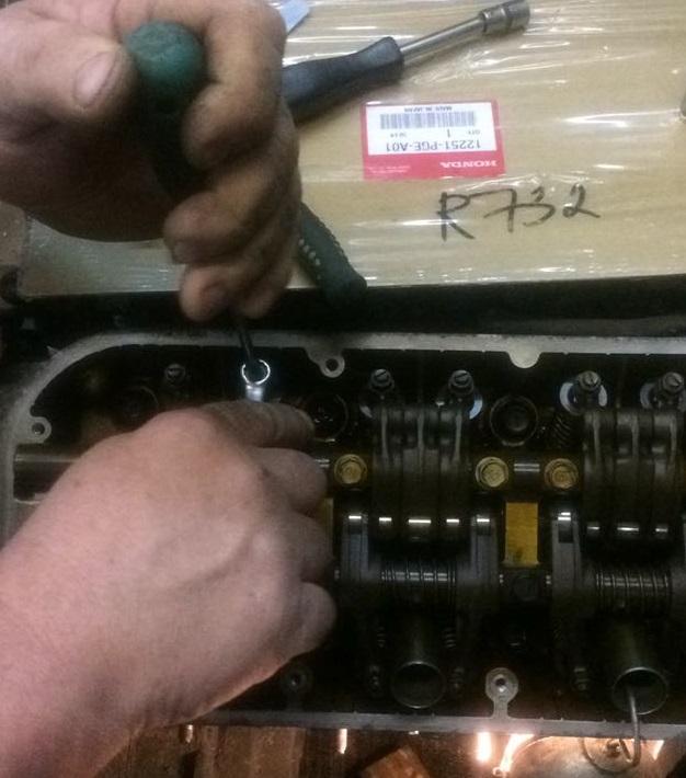 Регулировка клапанов на Хонда Пилот 1