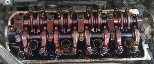 Грязь в моторе из-за редкой замены масла