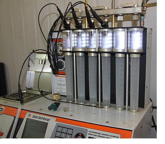 Промывка топливных форсунок со снятием