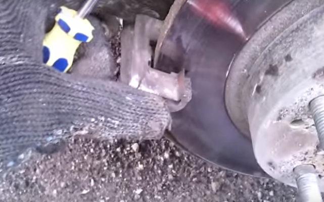 Замена задних тормозных колодок Хонда / замена тормозных колодок Хонда Цивик