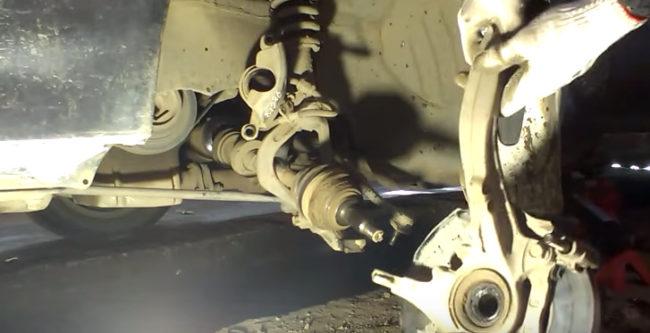 Замена шаровых Хонда Аккорд